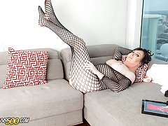 Today we have the gorgeous Wendy Williams finishing up her interview with Juice Gender. Something about it just turned her on and she wastes no time. She changes into a sexy fishnet suit that makes her even hornier. Watch this beauty go at it in this Tran