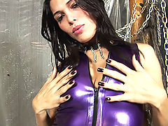 Tranny Milena Vendramine in hot latex